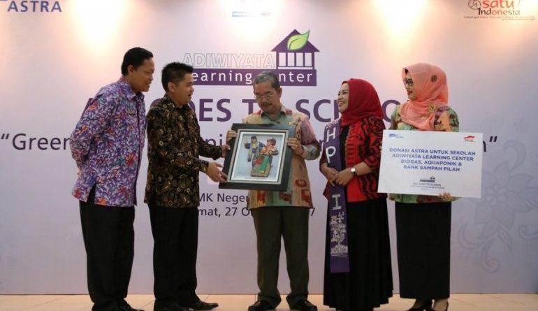 Amilia Agustin Meriahkan Adiwiyata Learning Center Goes To