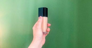 Agar Selalu Tampil Menarik, Ini Tips Memilih Warna Foundation Yang Pas Untuk Kulit Anda