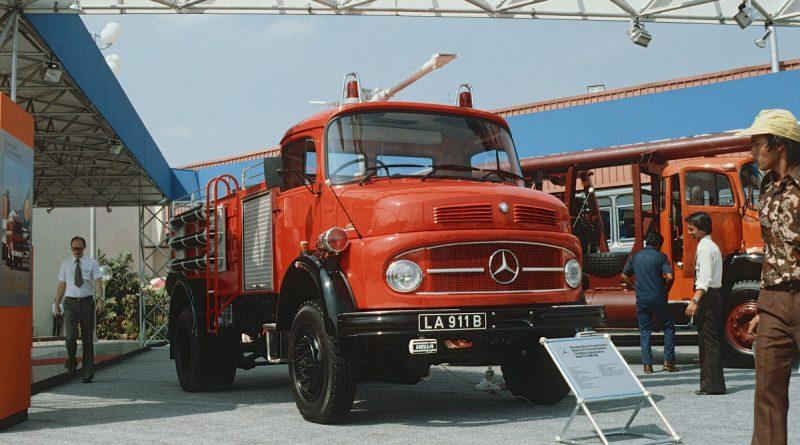 Segmen Kendaraan Niaga Mercedes-Benz Rayakan HUT ke-50