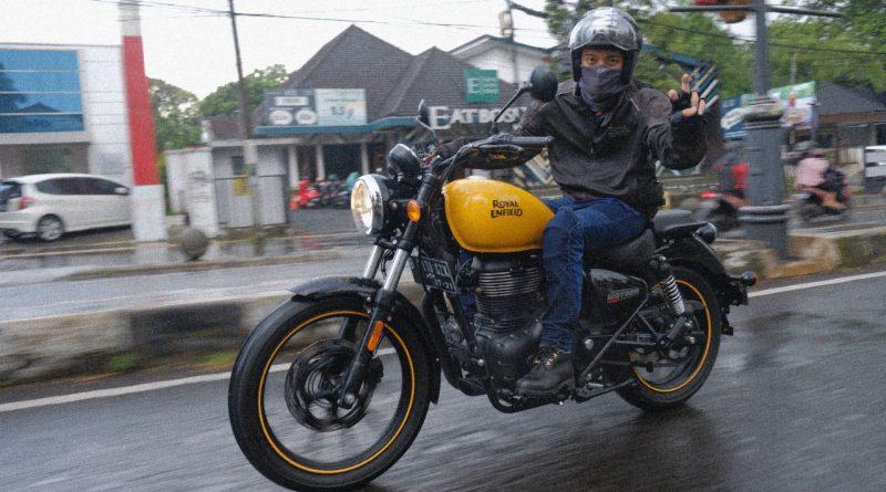 Cara Bisma Karisma Melepas Kejenuhan di Jalan bersama Sepeda Motornya